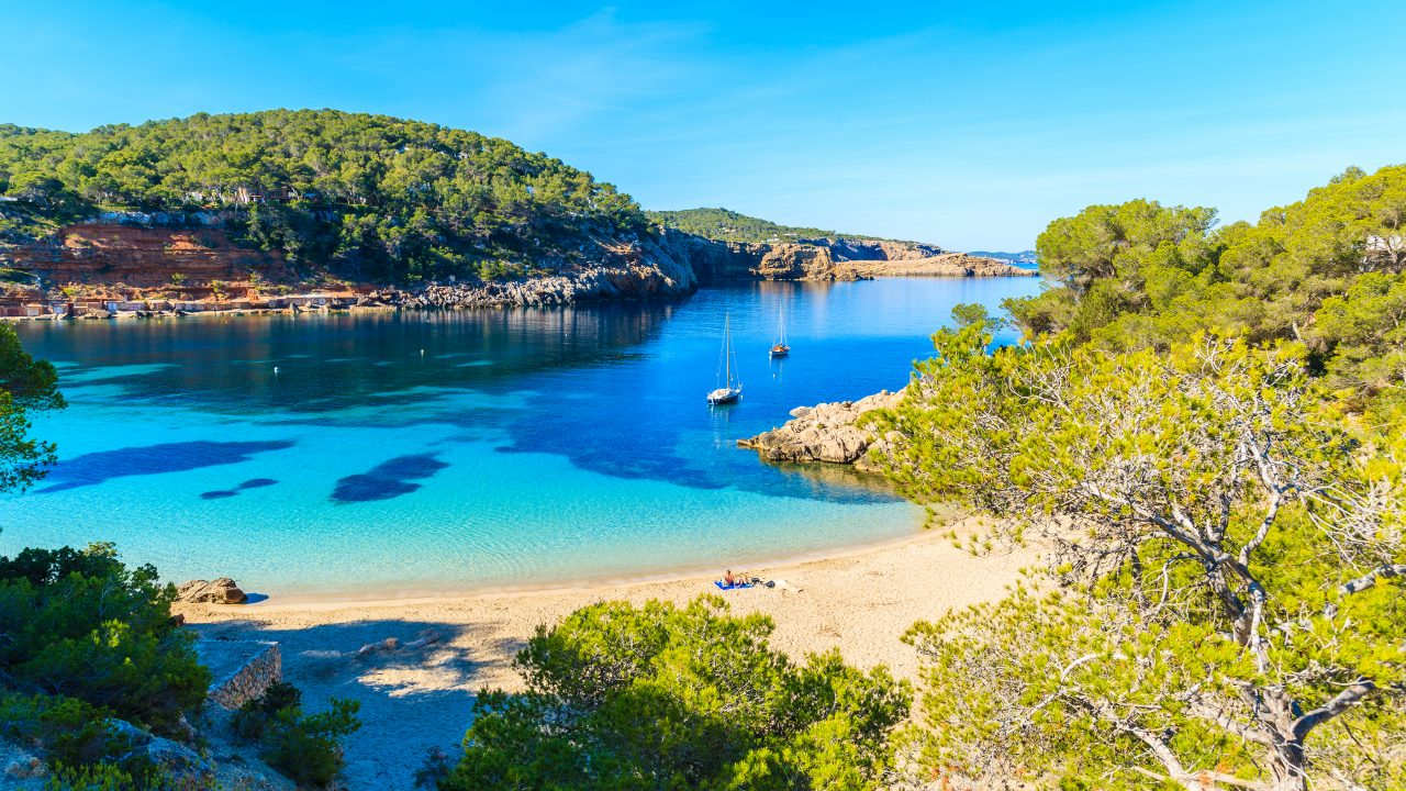 Best villas in Ibiza near Cala Salada